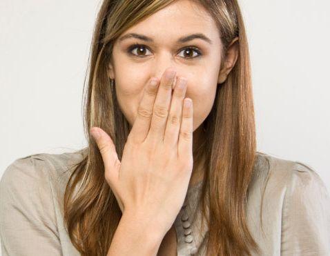 12 motode de a scăpa de sughiț