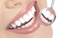 Dr. Oz te invata cum sa-ti albesti dintii rapid si ieftin acasa