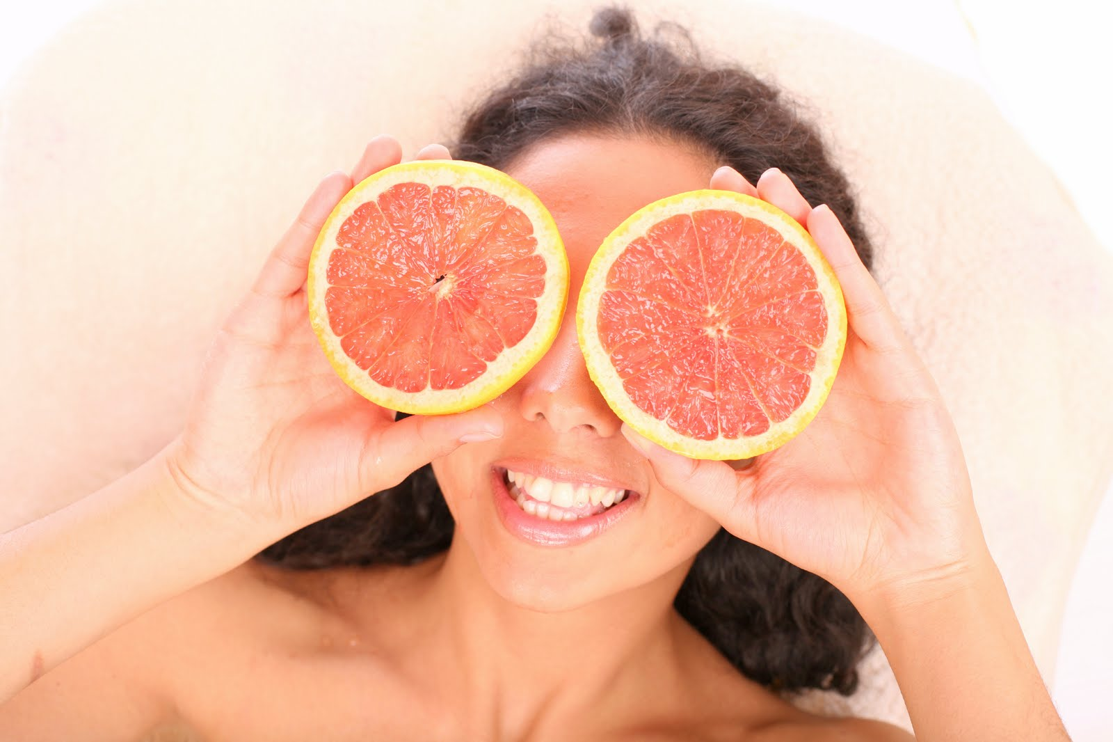 Tratamente naturiste pentru cearcane si ochi umflați