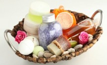 Învăţaţi cum să faceţi şampon de casă