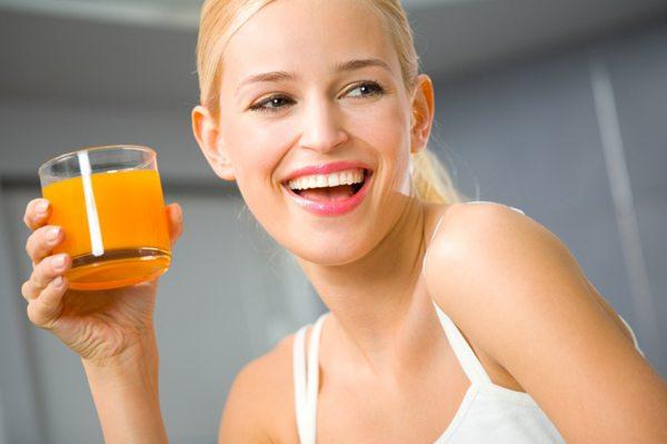 Acidul sucurilor naturale de citrice afectează smalțul dinților