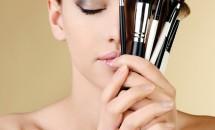 Greseli de machiaj care provoaca acnee