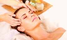 Masajul cu ulei cald poate face minuni contra pierderii părului