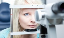 Simptomele te fac să te duci la oftalmolog