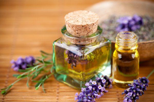 Uleiurile naturale sunt benefice pentru unghiile, pielea si parul tau