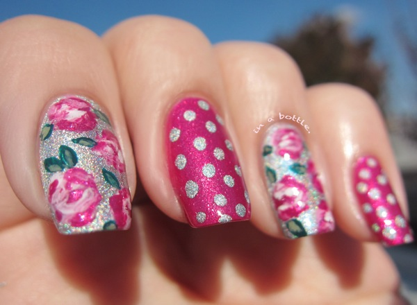 Unghii cu gel roz cu flori