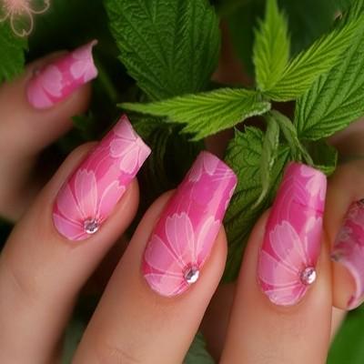 Unghii cu acryl cu flori
