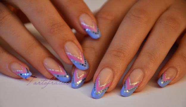 unghii cu gel roz cu albastru