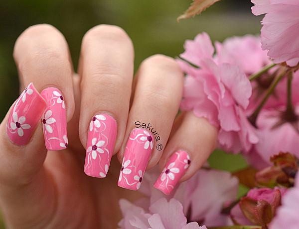 Modele de unghii false cu flori