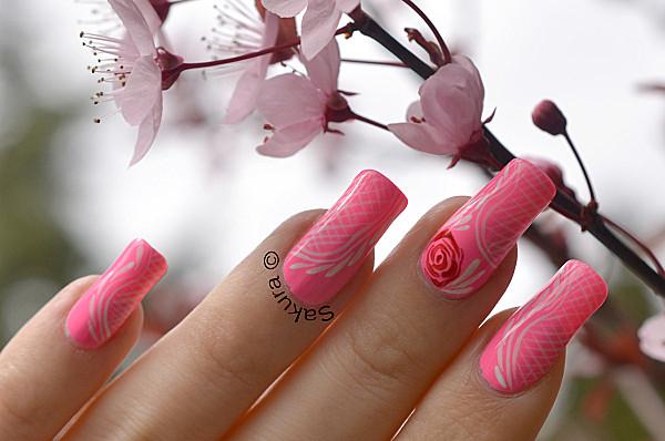 Modele unghii false roz