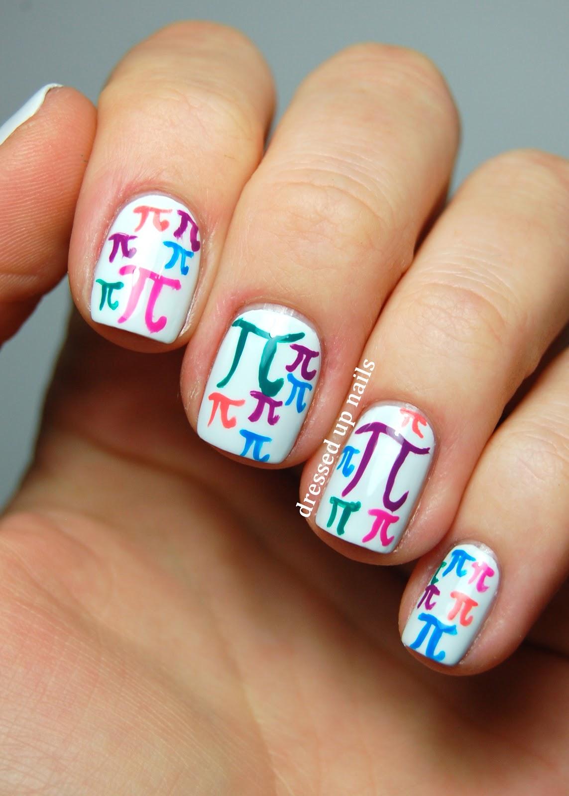 Modele unghii false colorate