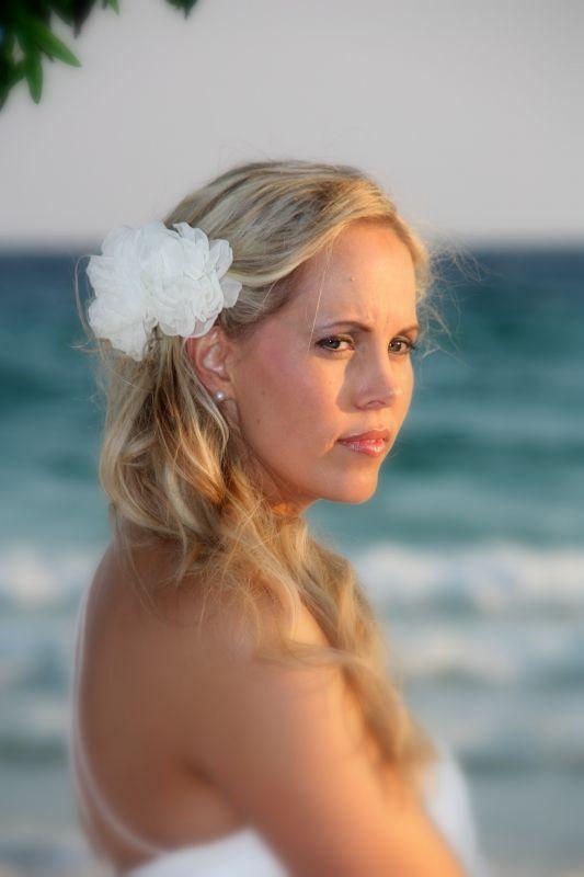 Cum sa iti faci machiajul pentru o nunta pe plaja