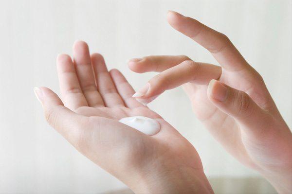 Hidrateaza-ti corect pielea