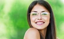 Sfaturi in materie de machiaj pentru cele ce poarta ochelari