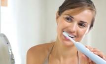 Cat de folositoare sunt periutele de dinti electrice?