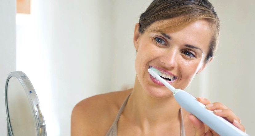 Cat de folositoare sunt periutele de dinti electrice
