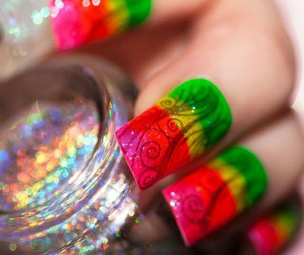 Idei de unghii colorate usor de realizat