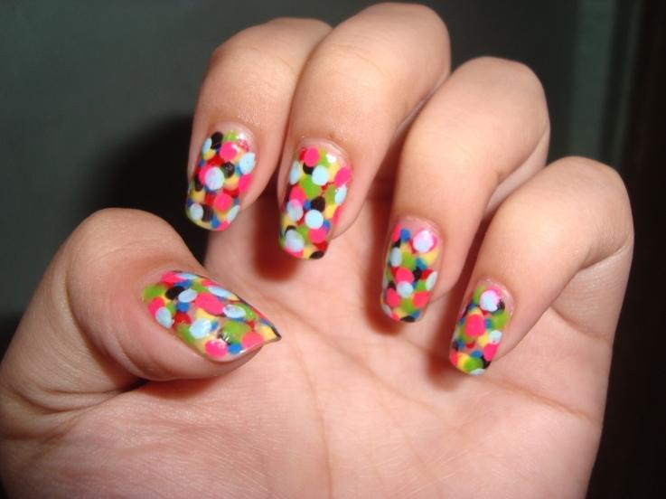 modele de unghii in culori