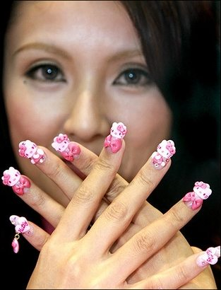 Modele de unghii Hello Kitty
