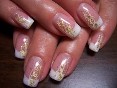 Modele de unghii cu sclipici