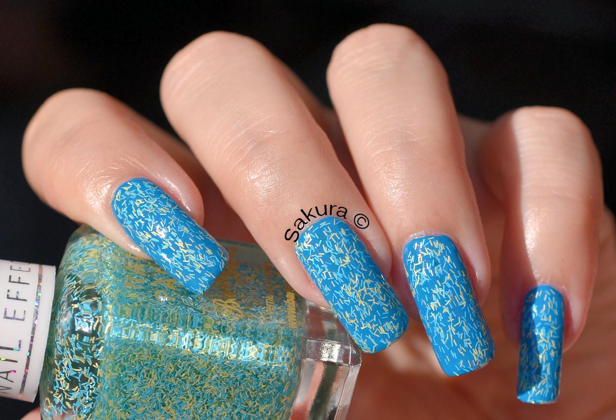 unghii simple albastre