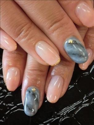Noi modele elegante pentru unghii