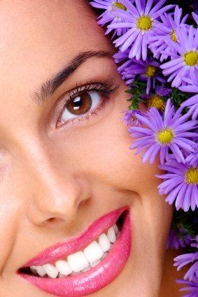 Smaltul dintilor: ce il ajuta, ce ii dauneaza