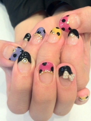 10 modele pe unghii naturale