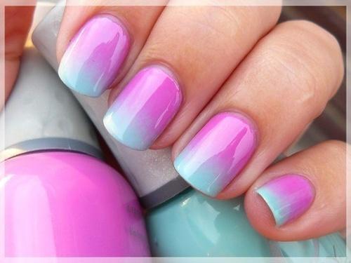 Model de unghii ombre in doua culori