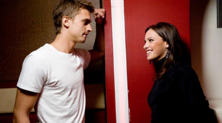 Trucuri de flirturi pentru a avea succes la intalniri