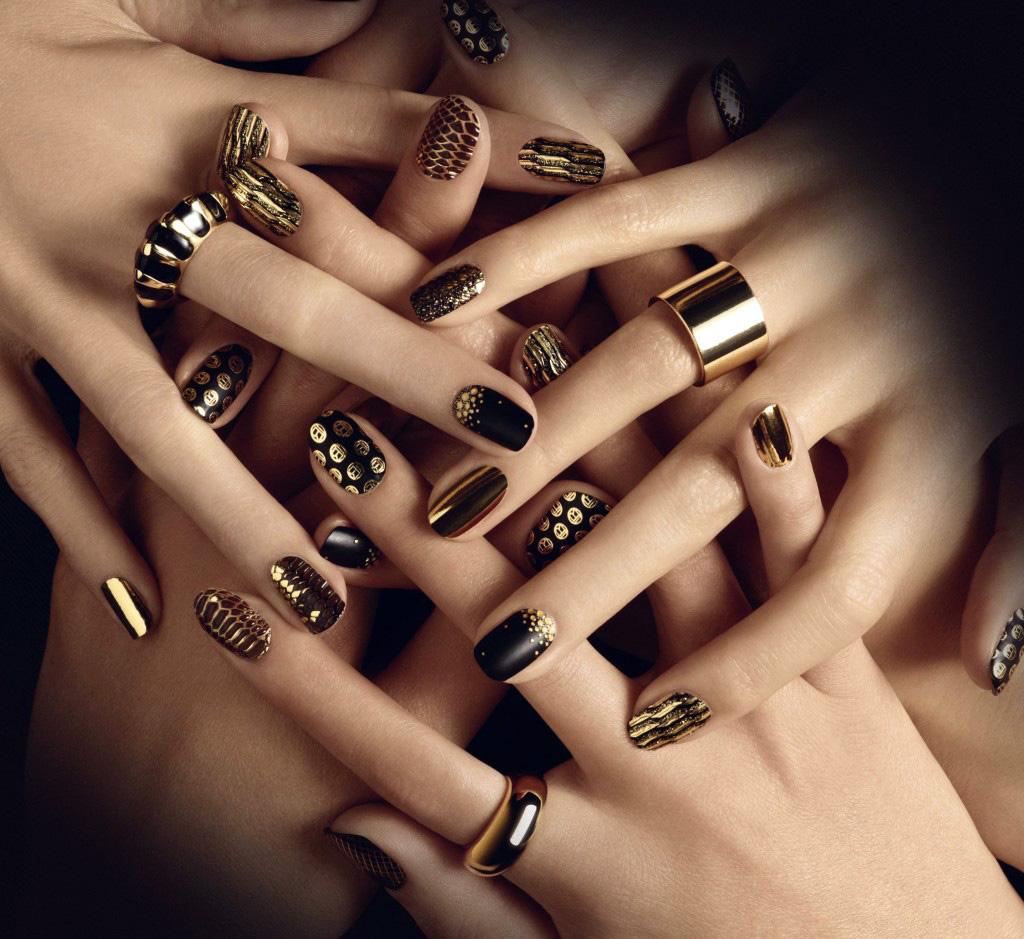 Modele unghii simple aurii