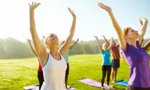 10 activitati necostisitoare pentru intalniri in spatiul liber
