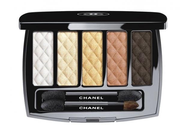 Colectia de machiaj Hong Kong de la Chanel