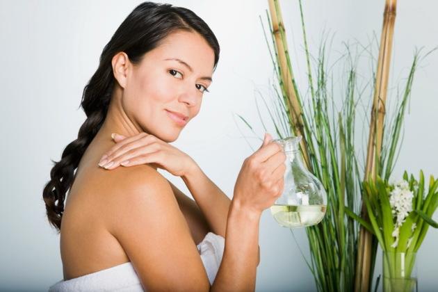 Beneficiile uleiului de jojoba pentru piele si par