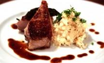Cotlet de porc si salata de telina