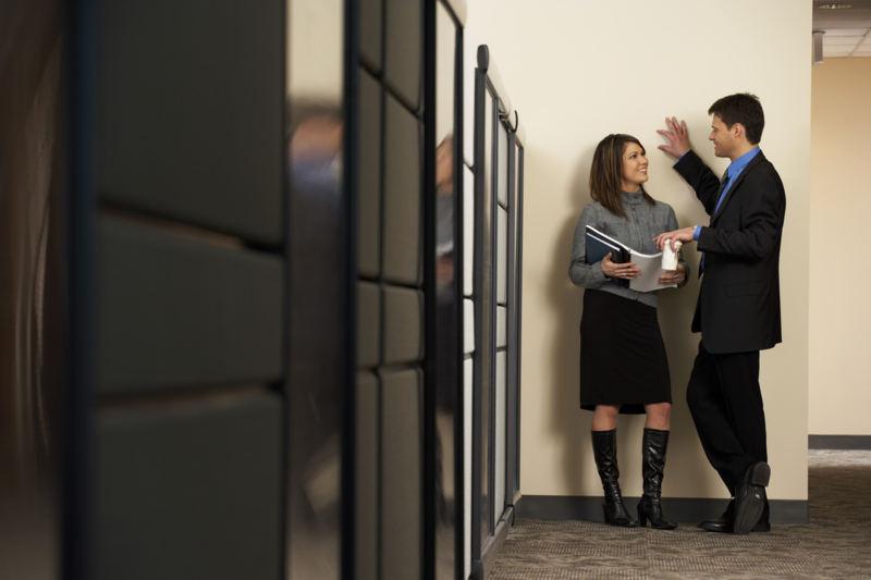 Iubirea la birou: Cand are rost sa amesteci afacerile cu placerea