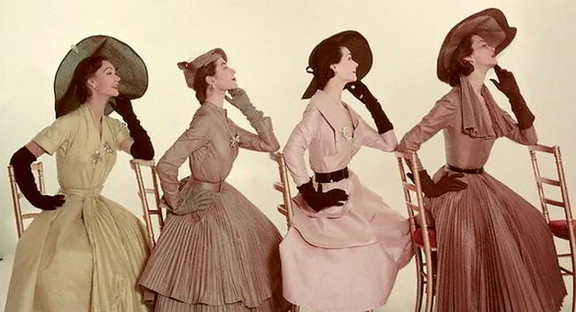 Moda anilor 50 rochii