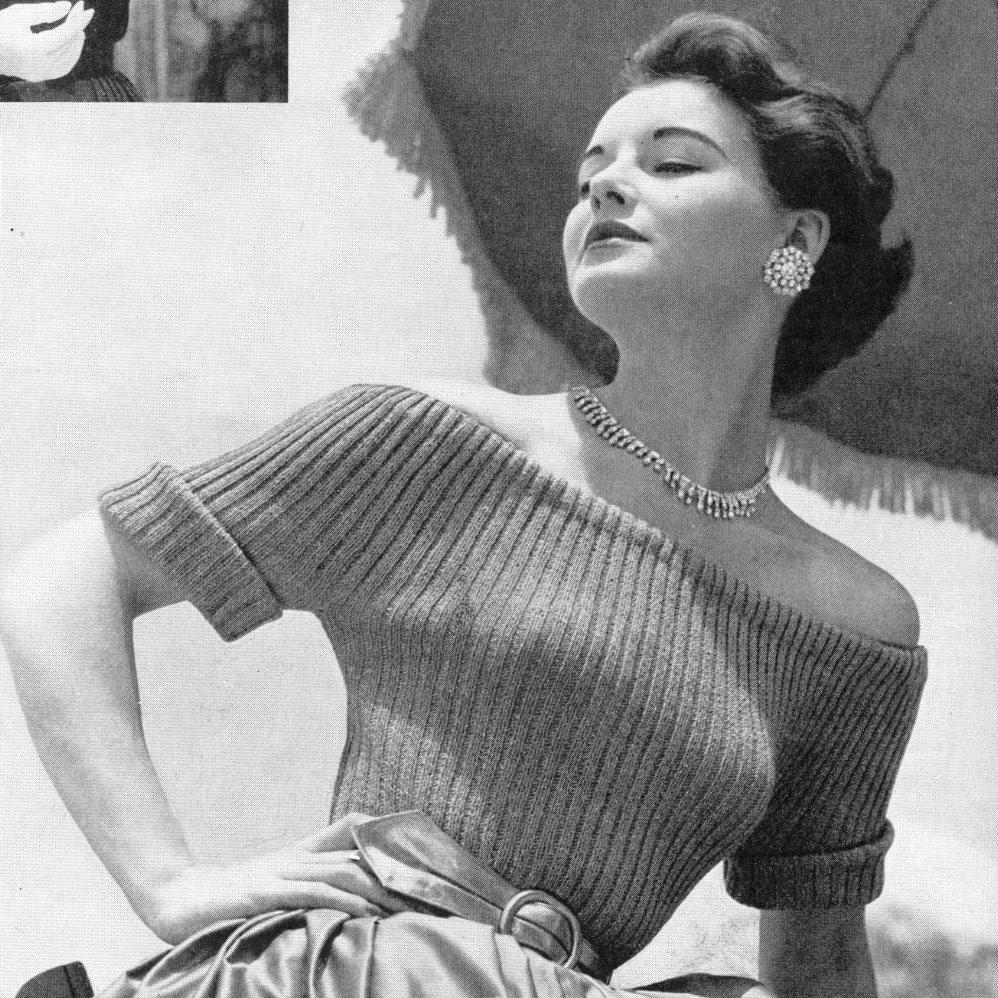 rochie cu umerii goi pentru moda anilor 50