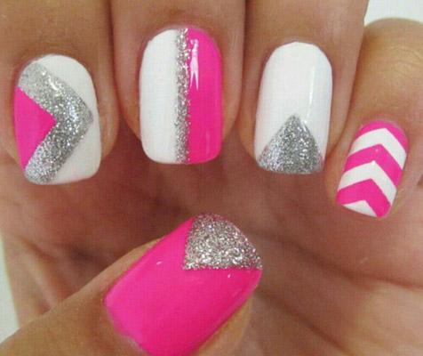 Modele de unghii cu gel roz
