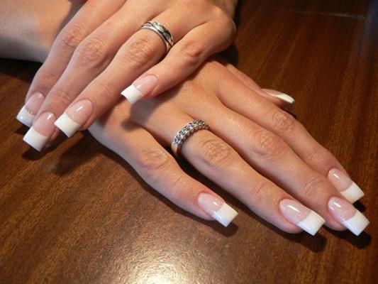 unghii cu gel french alb
