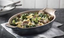 Paste carbonara cu carnati si broccoli