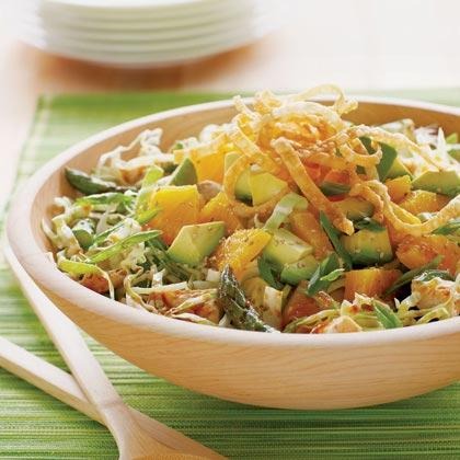 Salata cu carne de pui in stil asiatic