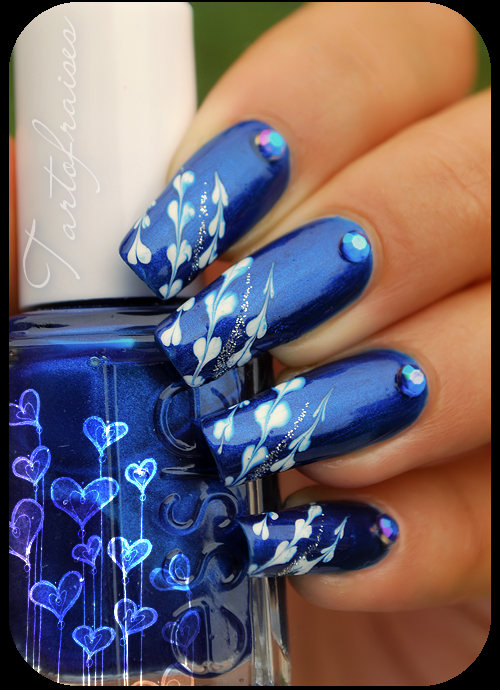 manichiura albastra