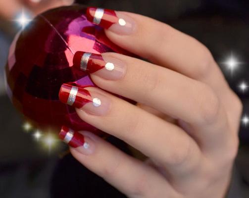 unghii french rosii cu argintiu