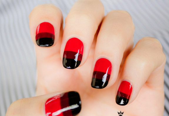 modele de unghii rosii cu negru