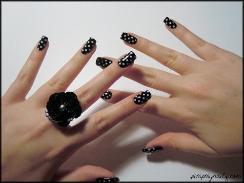 unghii cu gel cu buline