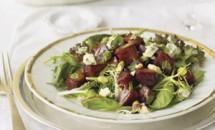 Carne de curcan la tava cu orez si salata de sfecla