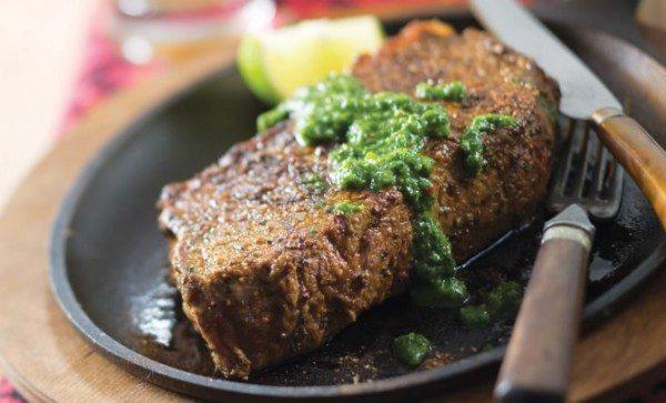 Carne de vita cu sos Chimichurri