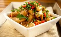 Curry de carne de pui cu arahide