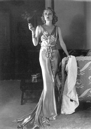 Moda anilor 30 rochie de seara